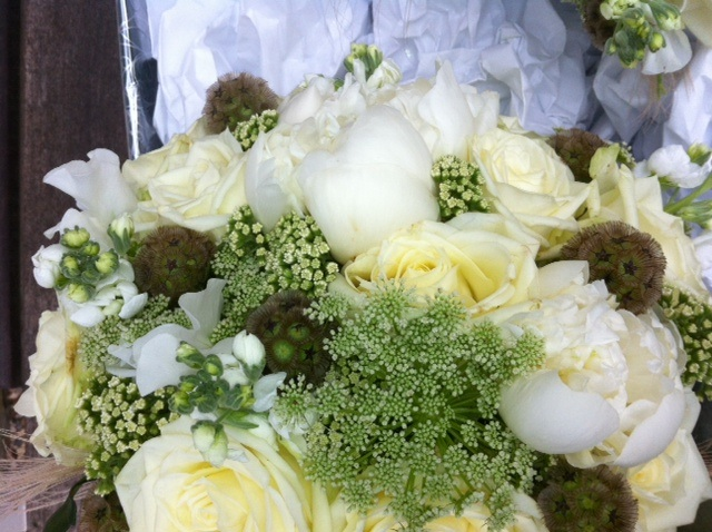 Bouquet close up How to choose your wedding florist!