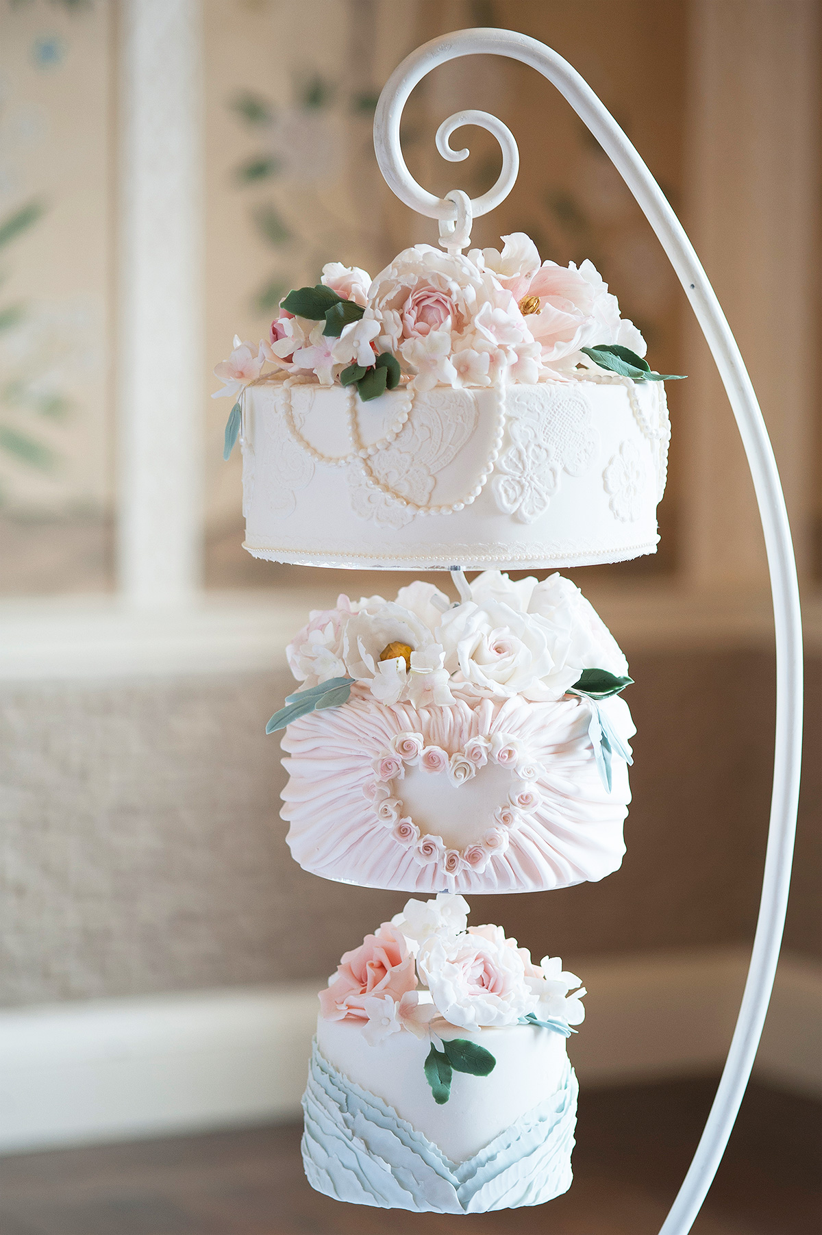 Suppliers We Love - Gifted Heart Cakes - Tarnia Williams | Luxury ...